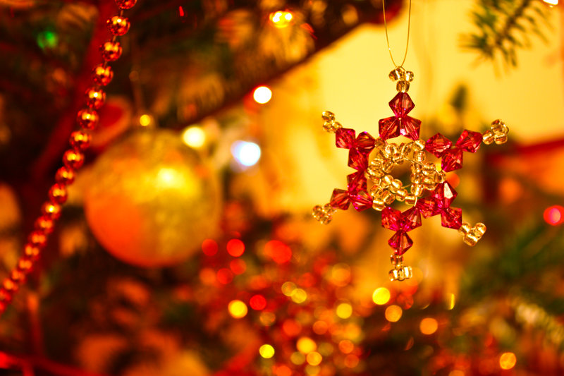 Christmas wallpaper by Lucy art1 21 Stunningly Beautiful Christmas ...